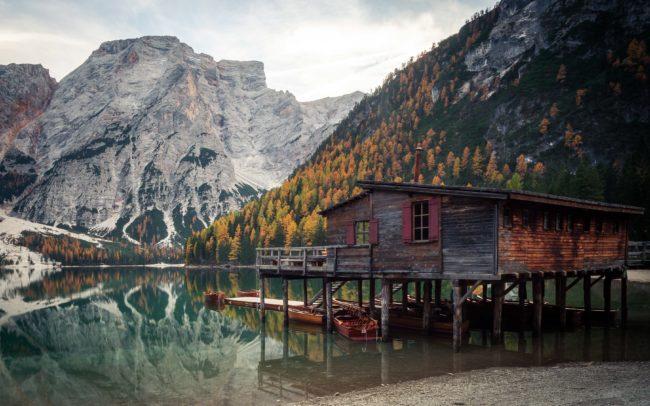 Bootshaus am Pragser Wildsee ©Gipfelfieber Studio